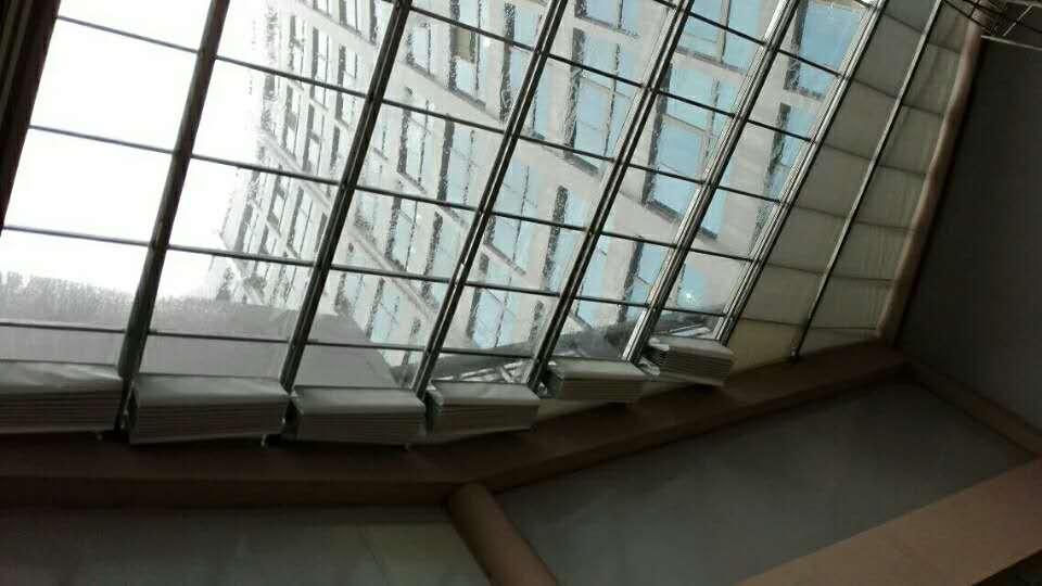 阳光雨棚安装