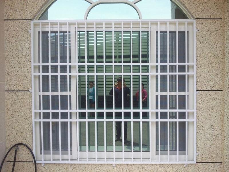 防盗门窗2.jpg