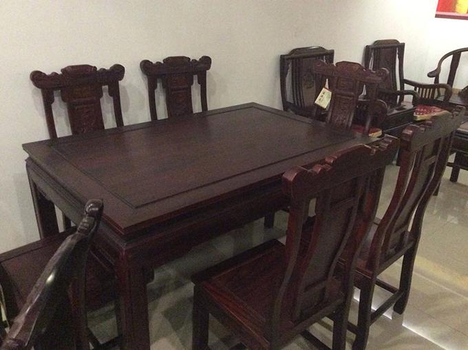 酸枝红木方餐桌