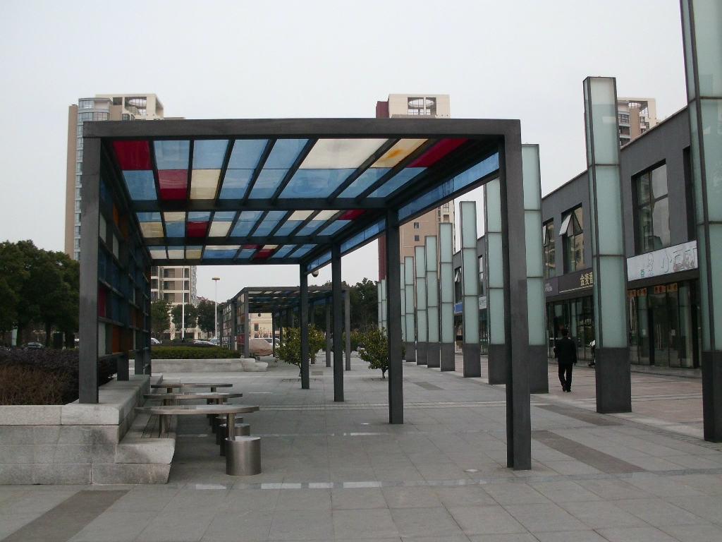 钢化玻璃雨棚.jpg