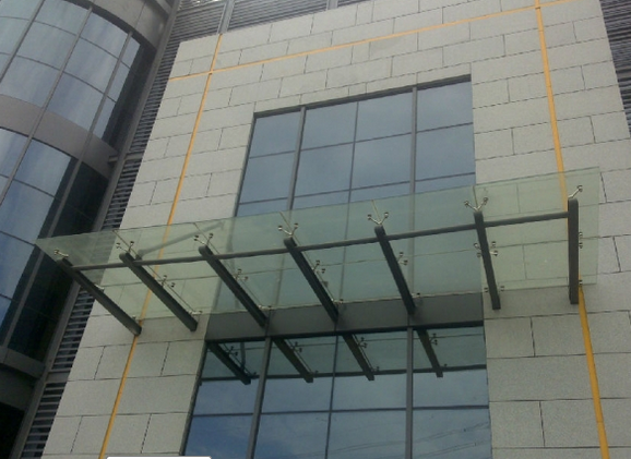 钢化玻璃雨棚安装