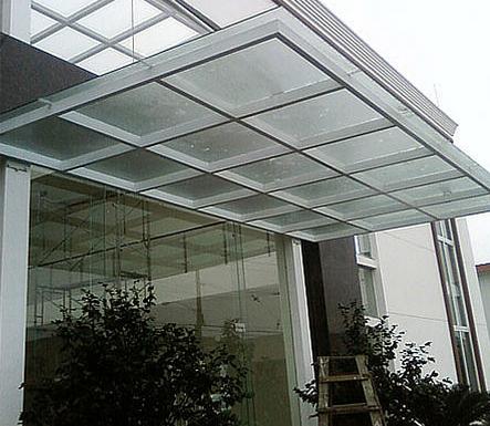 南宁钢化玻璃雨棚