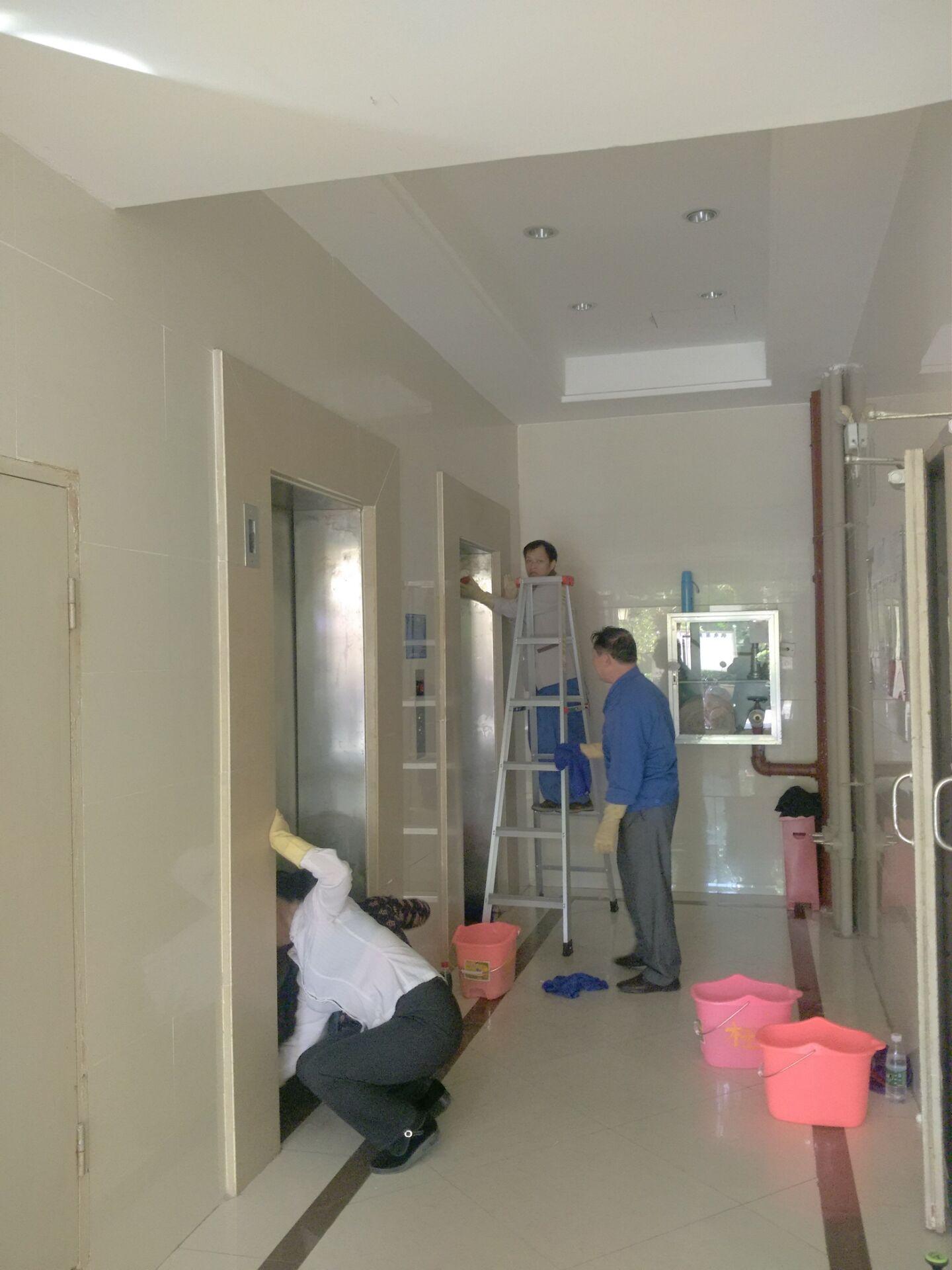 钦州皇庭地产保洁项目