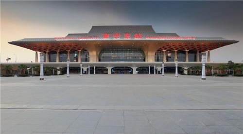 云南南寧東站