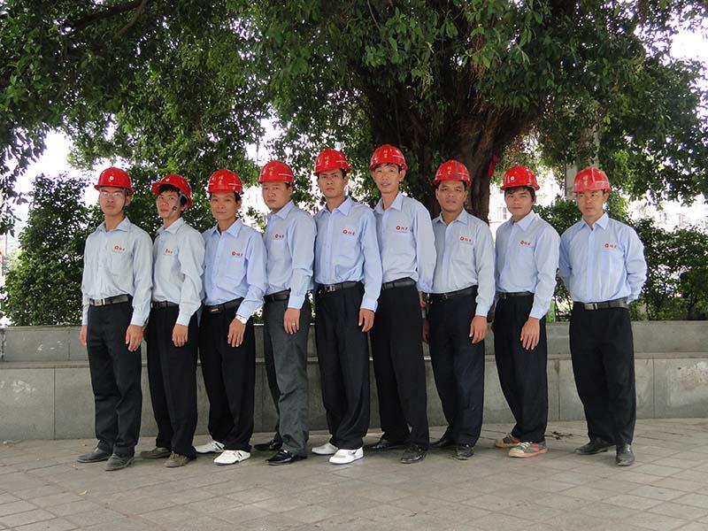 工程安装队二.JPG
