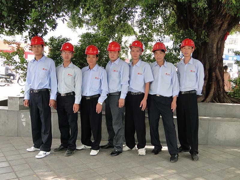 工程安装队一.JPG