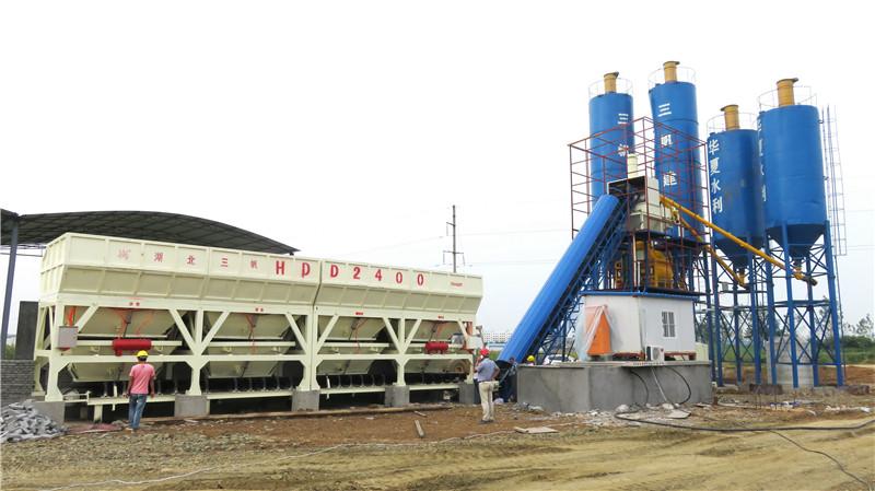 湖北華夏水利棗陽北郊攪拌站 Hubei huaxia water conservancy larger northern suburb of mixing plant.jpg