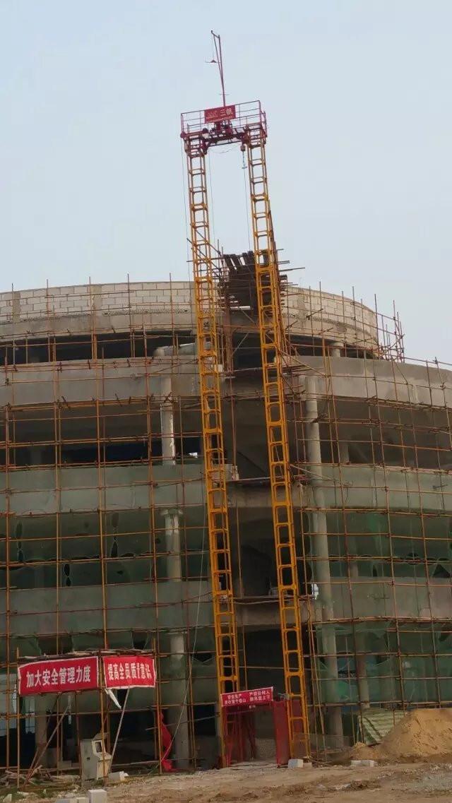 SSE100 施工升降機construction elevator.jpg