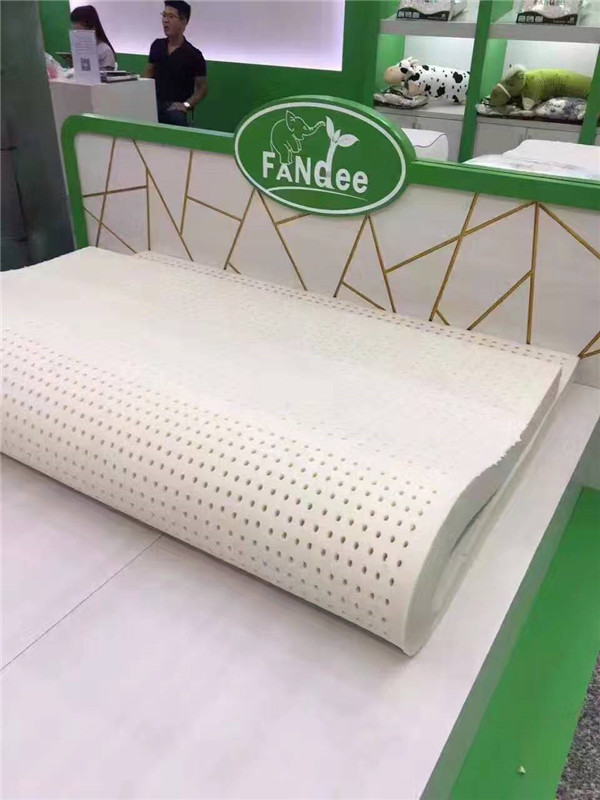 云南泰国芬迪床上用品纯天然乳胶床垫