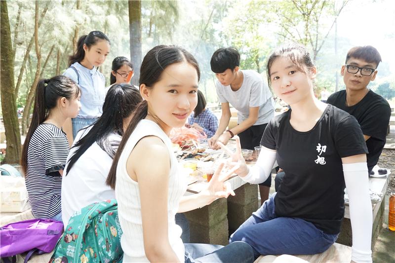 暑期户外烧烤活动 (4).JPG