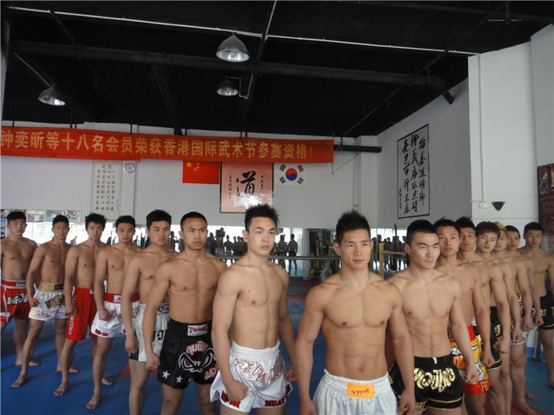 世界职业搏击冠军赛(WBC)职业拳手到我馆训练及比赛