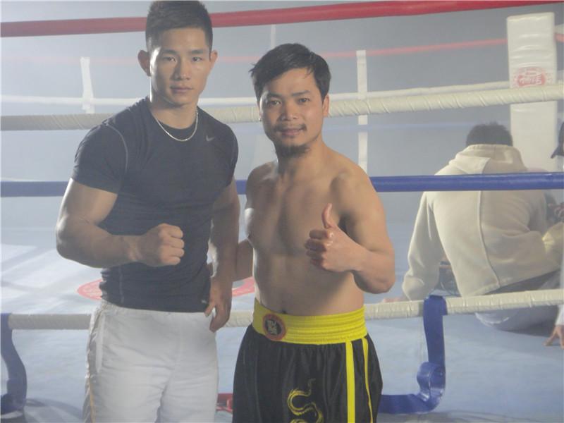 张教练与(WBC)世界职业拳手杨建平合影