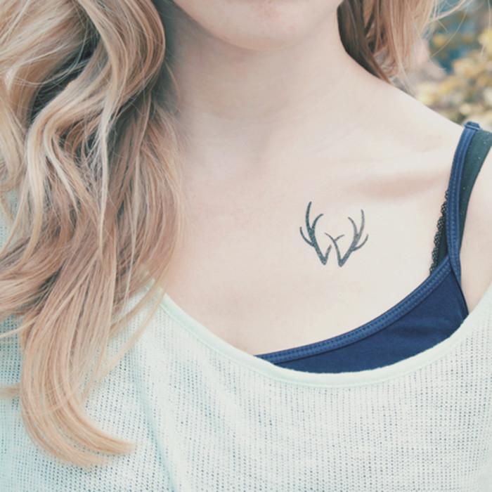 素伊美小纹身