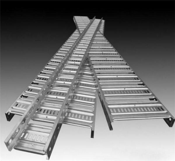 新型轻质拉伸桥架3