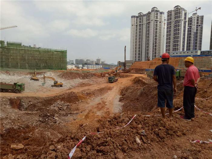我公司2017年承接的南宁龙岗邻家北广场地基与基础工程.jpg