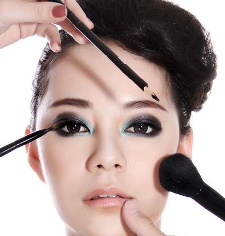 桂林烟熏妆培训