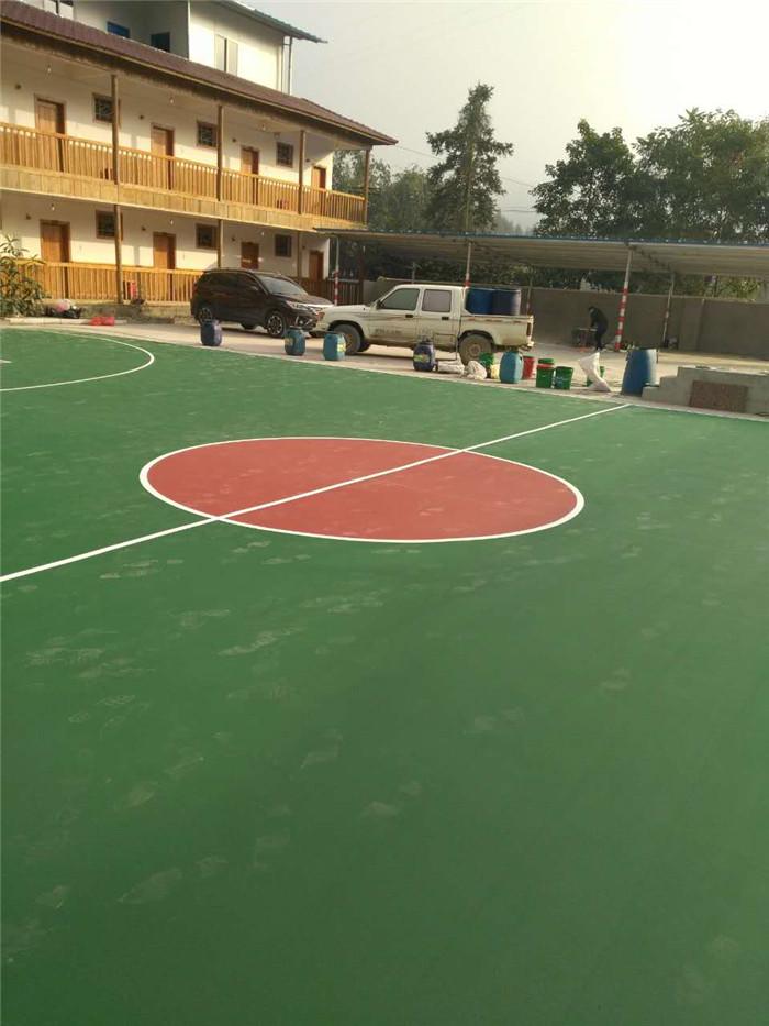 塑胶篮球场.jpg