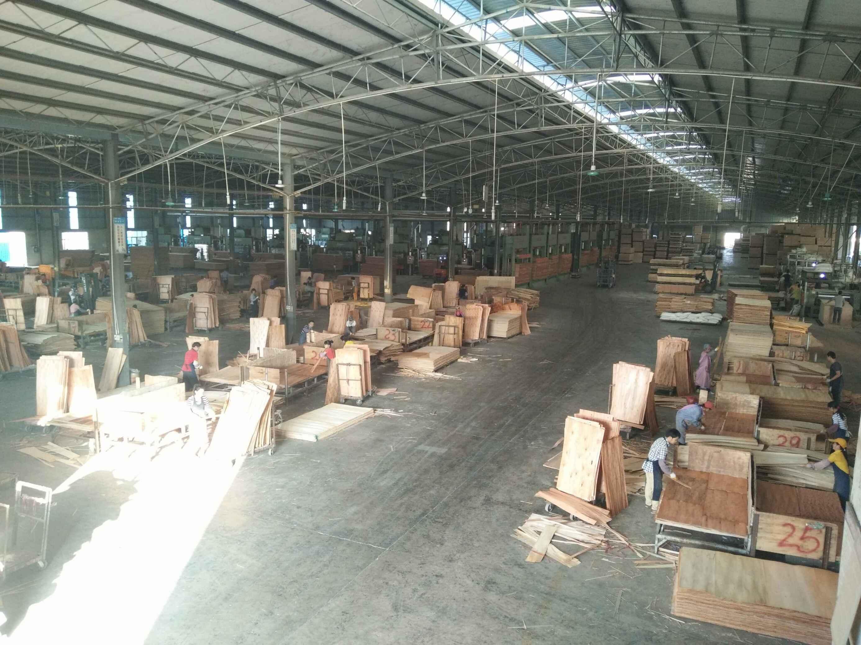 湖南广西板厂厂房