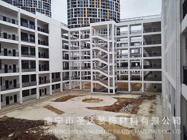 贵港南宁卫校教学楼