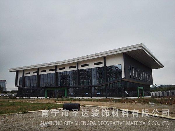 贵港南宁卫校体育馆
