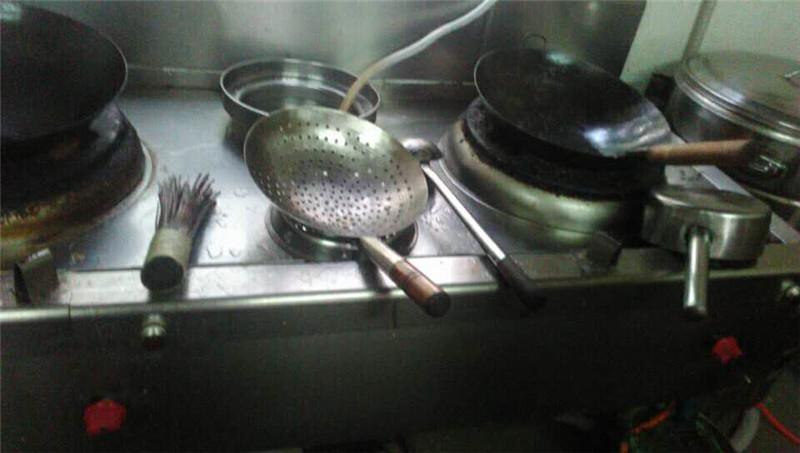 竹根坡北站店后廚