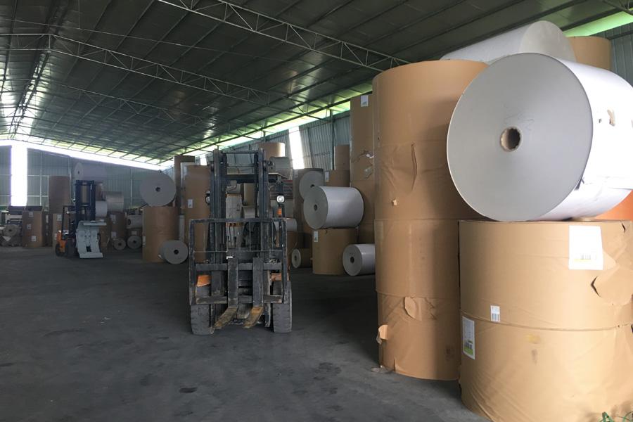 河池白板纸工厂环境