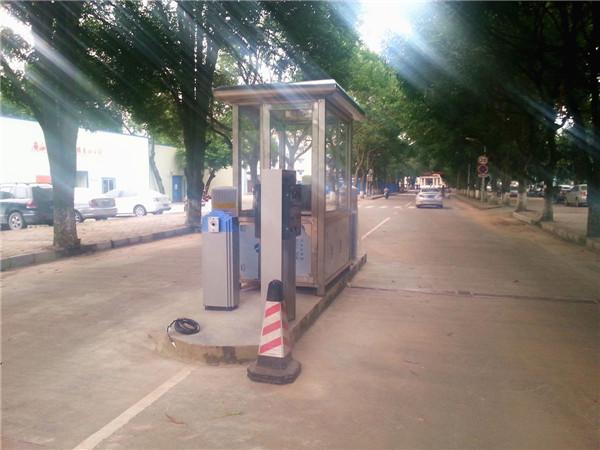 广西广西某职业技术学院校园监控及停车场道闸系统