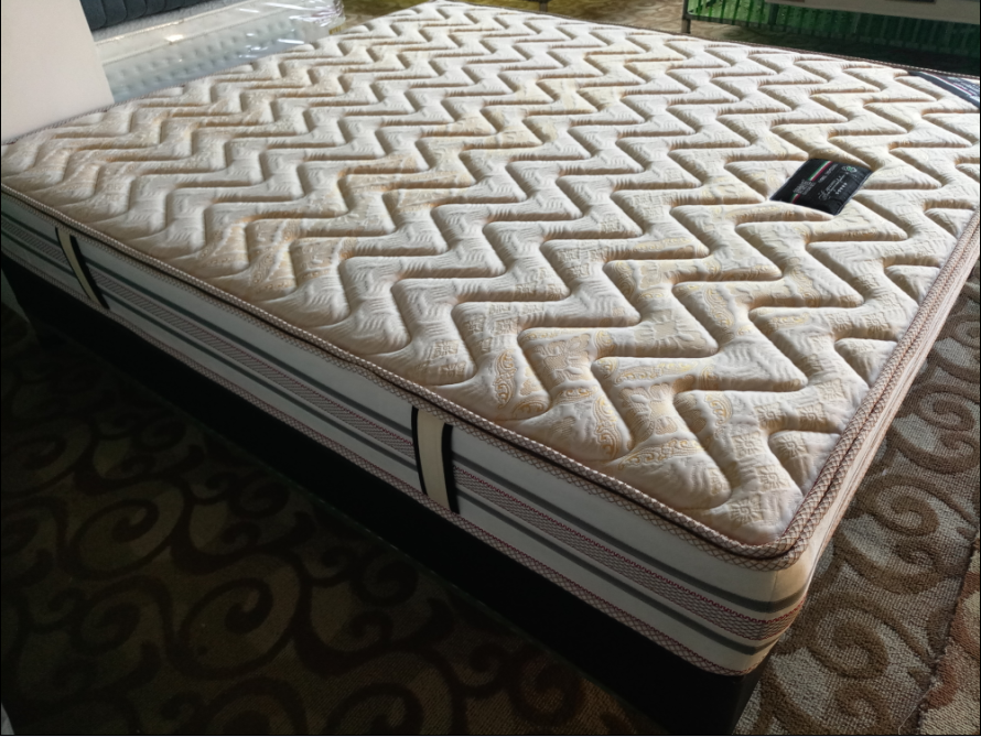 弹簧床垫哪家好