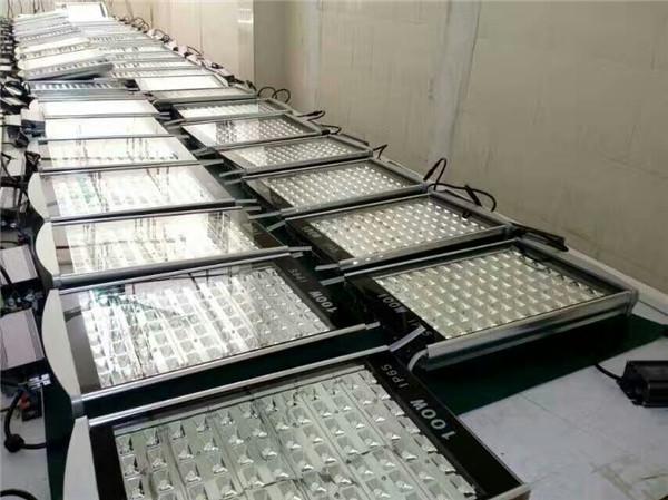 西藏太阳能路灯批发公司生产线