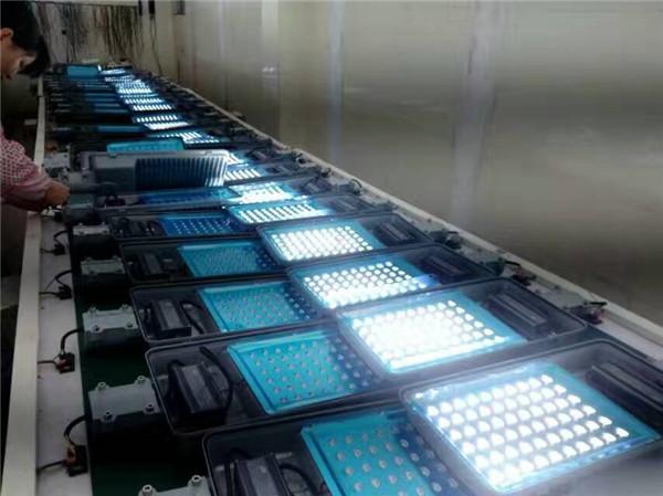 四川太阳能路灯公司生产线