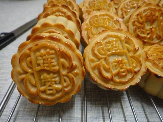 百色莲蓉月饼展示