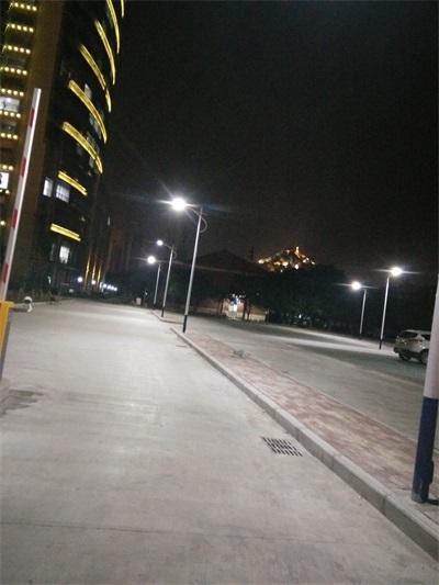 欽州單臂路燈工程安裝廠家