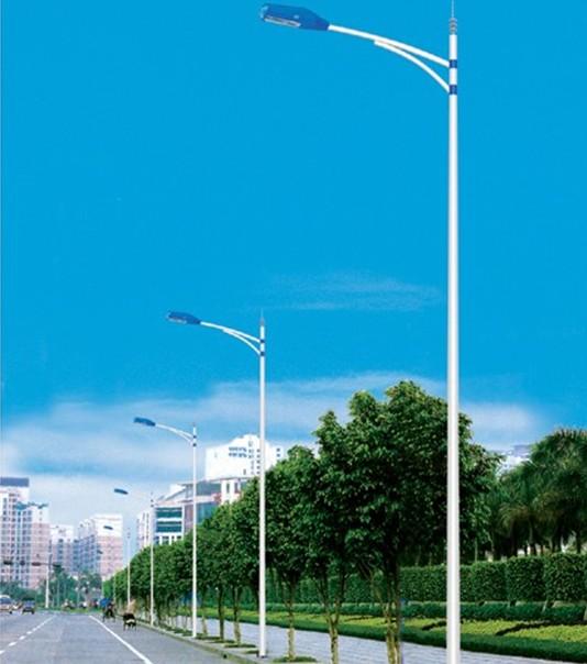 防城港單頭燈桿安裝工程公司