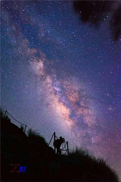 烟霞银河星空