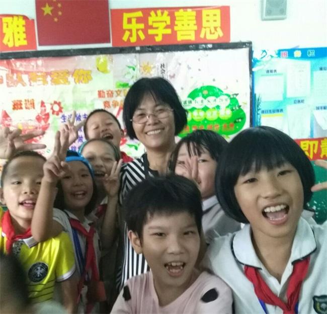 姚小珍--蓝天教师风采 蓝天学校