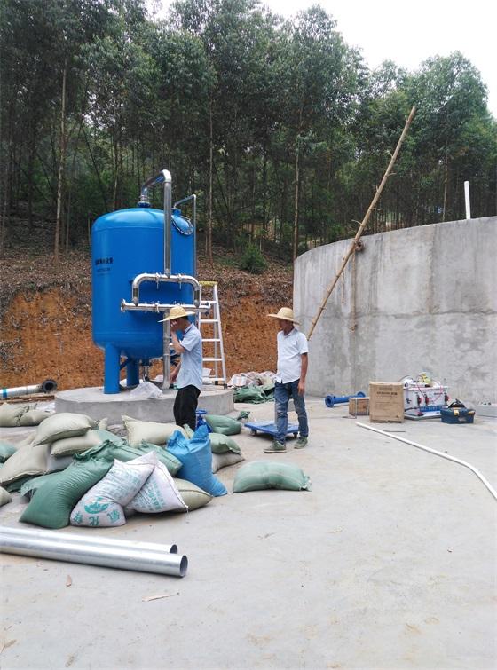 龙州县水口镇某人饮工程一体式黑白直播体育火箭专区安装中