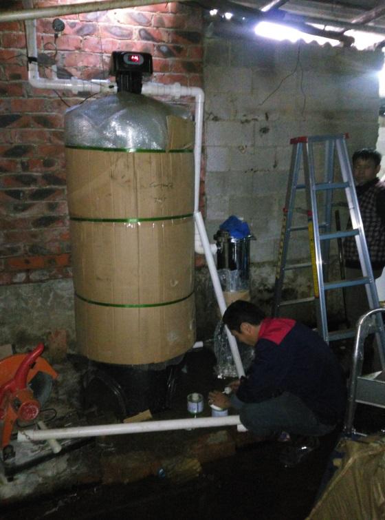 南宁市西乡塘区-井水除铁锰过滤器安装图