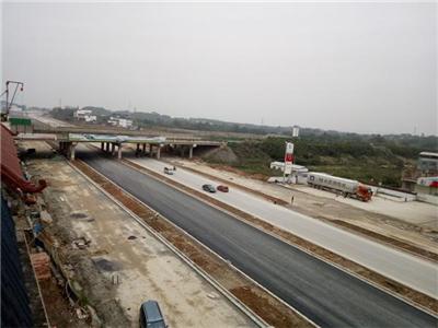 2016年昆侖大道通信管道工程用的管材.jpg