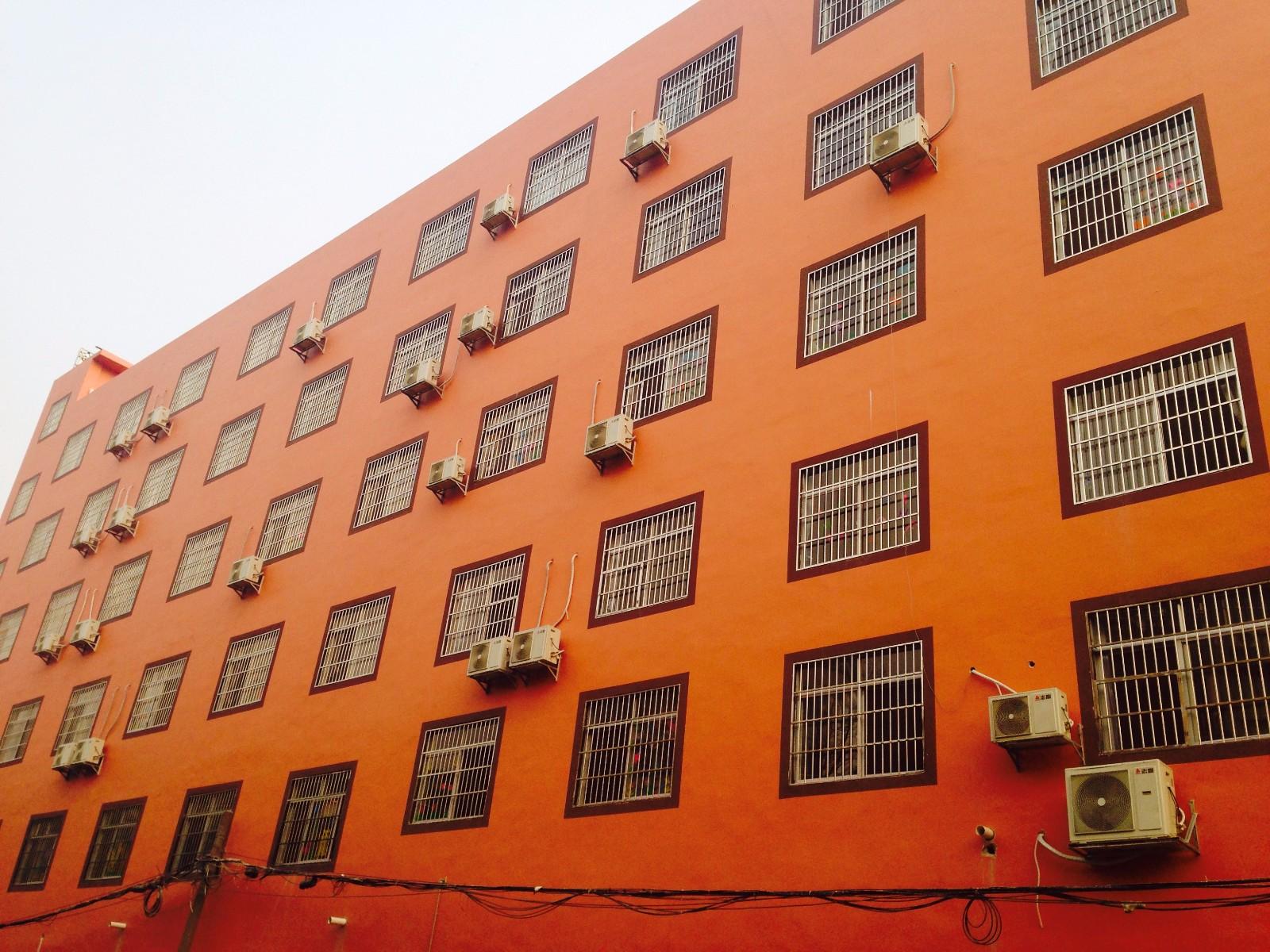南宁市国际幼儿圆志高分体机空调项目