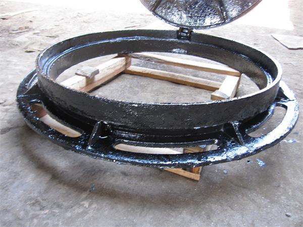 700国标B型球墨铸铁井盖