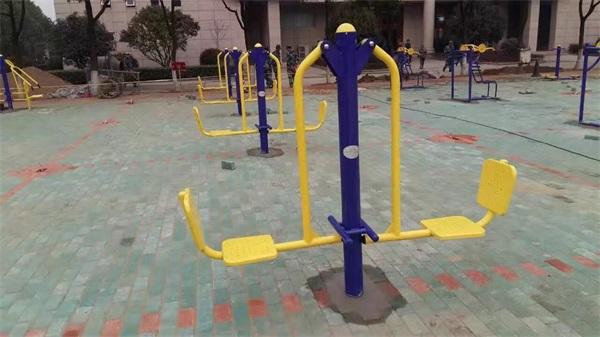 户外健身路径安装案例