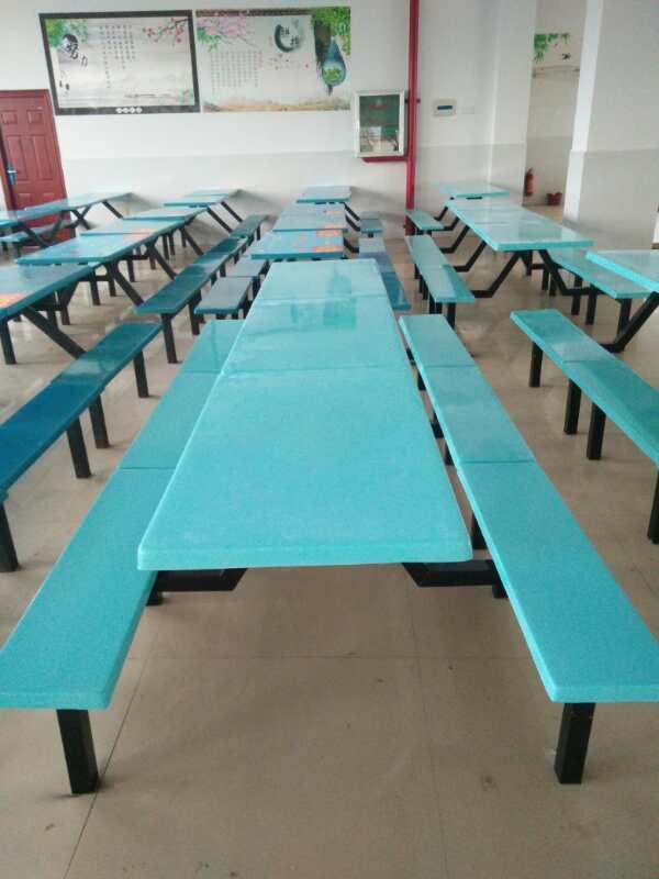 百色某校食堂餐桌椅