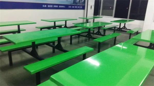柳州市某部队食堂餐桌椅