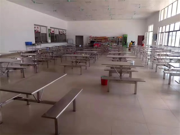 广西食堂餐桌椅