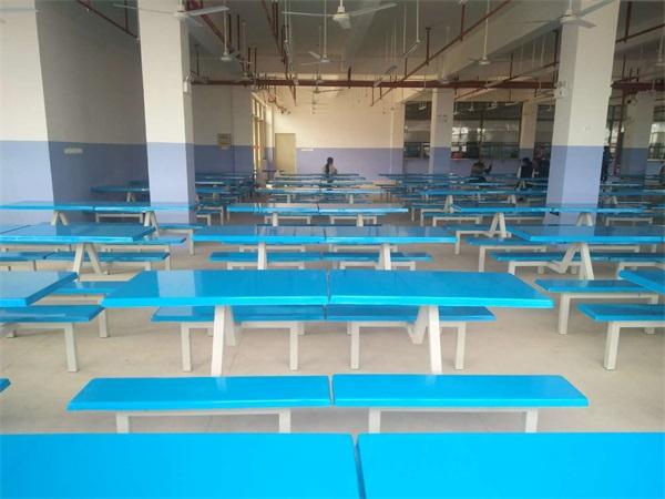 武宣实验中学食堂餐桌椅