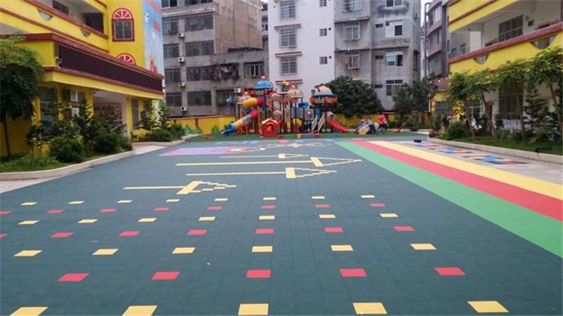 悬浮拼装地板游乐场