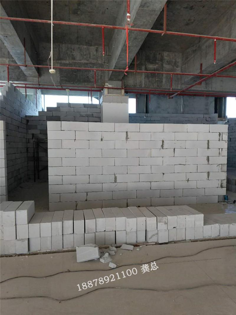 柳州市南亚风情5楼 跃动健身会所施工现场
