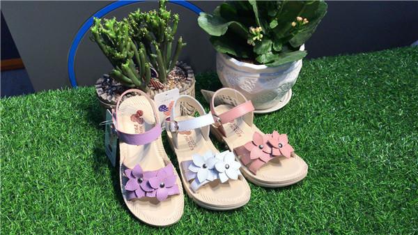 花瓣女童鞋