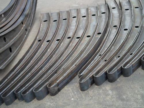 雨棚钢架生产.jpg