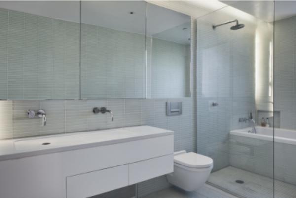 卫浴隔断安装